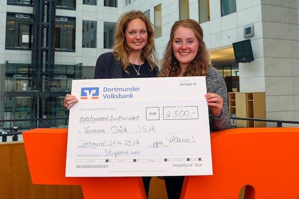 Dortmunder Volksbank Stiftung unterstützt ISM-Studierende beim Auslandssemester