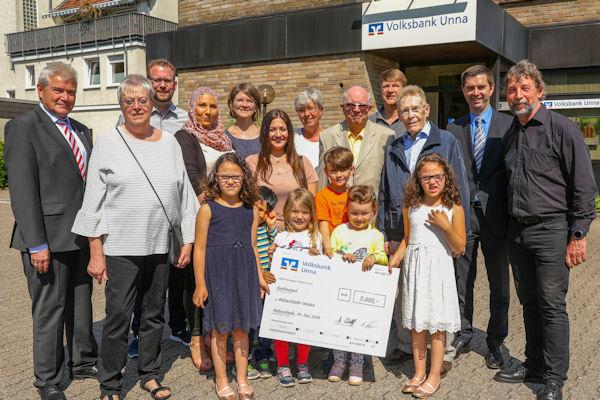 Holzwickeder Volksbank-Filialen unterstützen sieben gemeinnützige Projekte